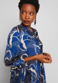 Culture - SHANIA LEAF DRESS - Day dress - blue iris - 4