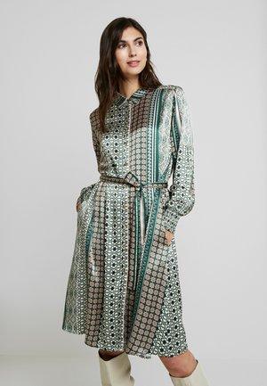 FADIA DRESS - Skjortklänning - pine grove