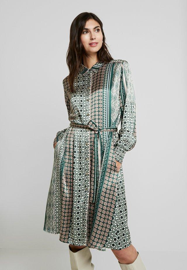 FADIA DRESS - Košilové šaty - pine grove