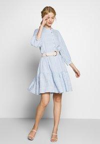 Culture - CUAMINE DRESS - Robe chemise - cashmere blue - 1