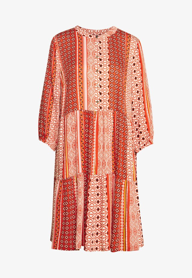 CUZALAN DRESS - Vapaa-ajan mekko - mecca orange