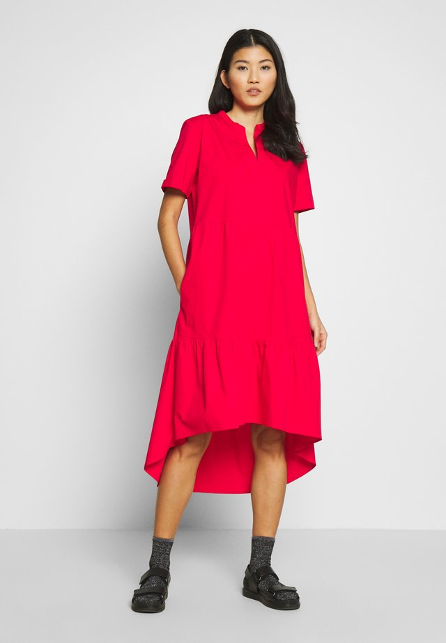 CUODETTE DRESS - Sukienka letnia - fiery red