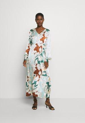 MOLLY DRESS - Denní šaty - aquifer