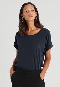 Culture - KAJSA - T-shirts - blue - 0