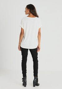 Culture - KAJSA - T-shirt - bas - spring gardenia wash - 2