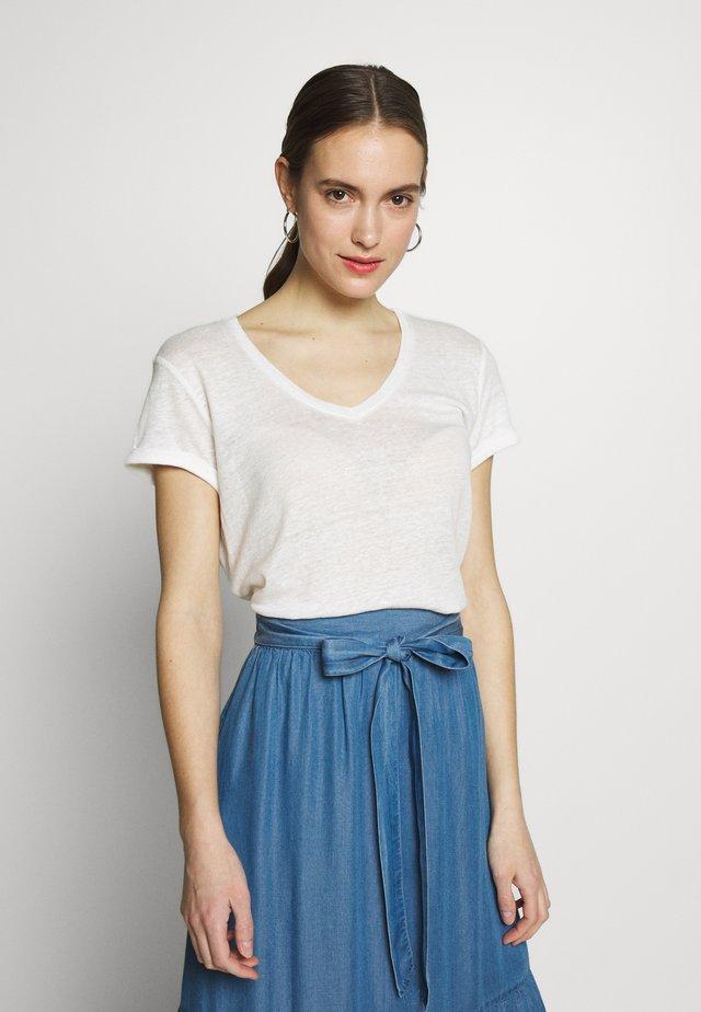 CUANGLA - Basic T-shirt - spring gardenia