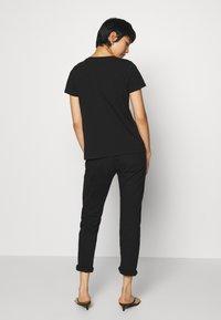 Culture - CUBELLA - T-shirt print - black - 2