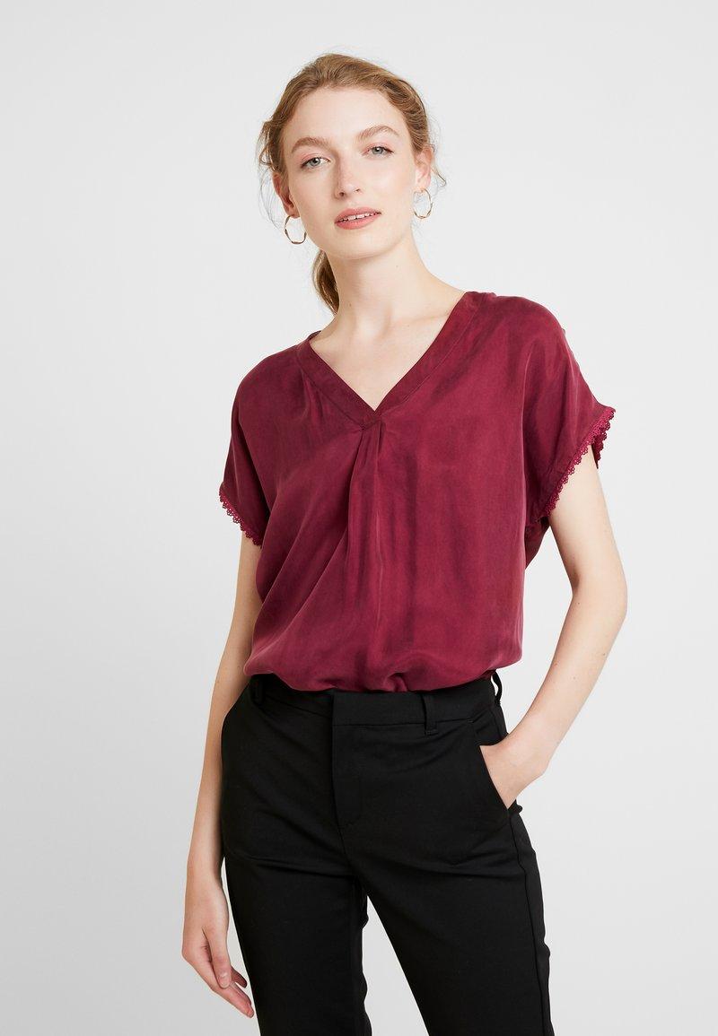 Culture - AMY BLOUSE - Bluse - cabernet