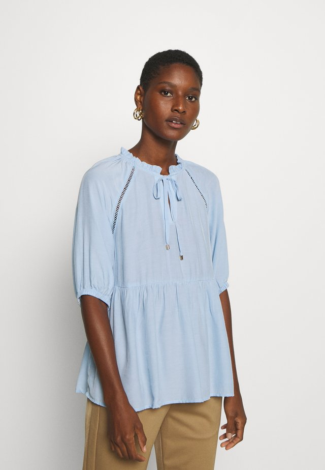JEANELLE - Blus - light blue