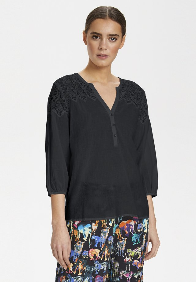 CULTURE CUALIA BLOUSE - Pusero - black