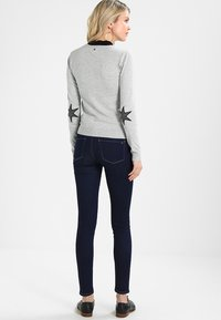 Culture - ANNEMARIE CARDIGAN - Vest - light grey melange - 2