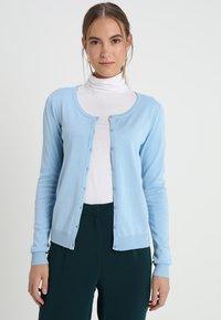 Culture - ANNEMARIE CARDIGAN - Cardigan - airy blue - 2