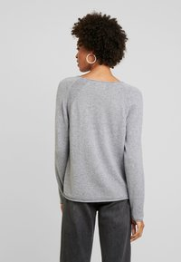 Culture - ALAIA - Sweter - light grey melange - 2