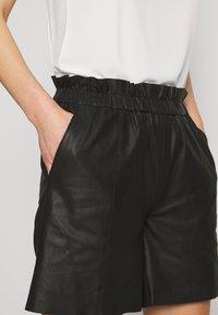 Culture - ALINA - Kožené kalhoty - black - 4