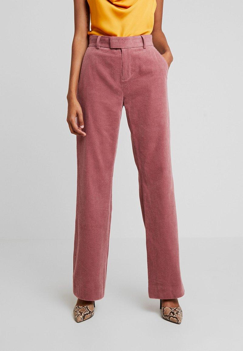 Custommade - MELISSA - Trousers - roan rouge