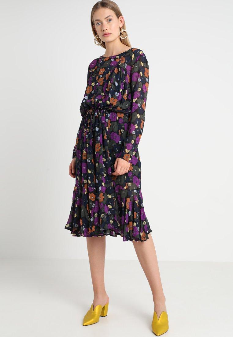 Custommade - CAMMI - Robe d'été - anthracite black