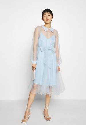 LIDI DRESS - Cocktailkjoler / festkjoler - chambray blue