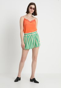 Custommade - POULINE - Linne - vermillion orange - 1