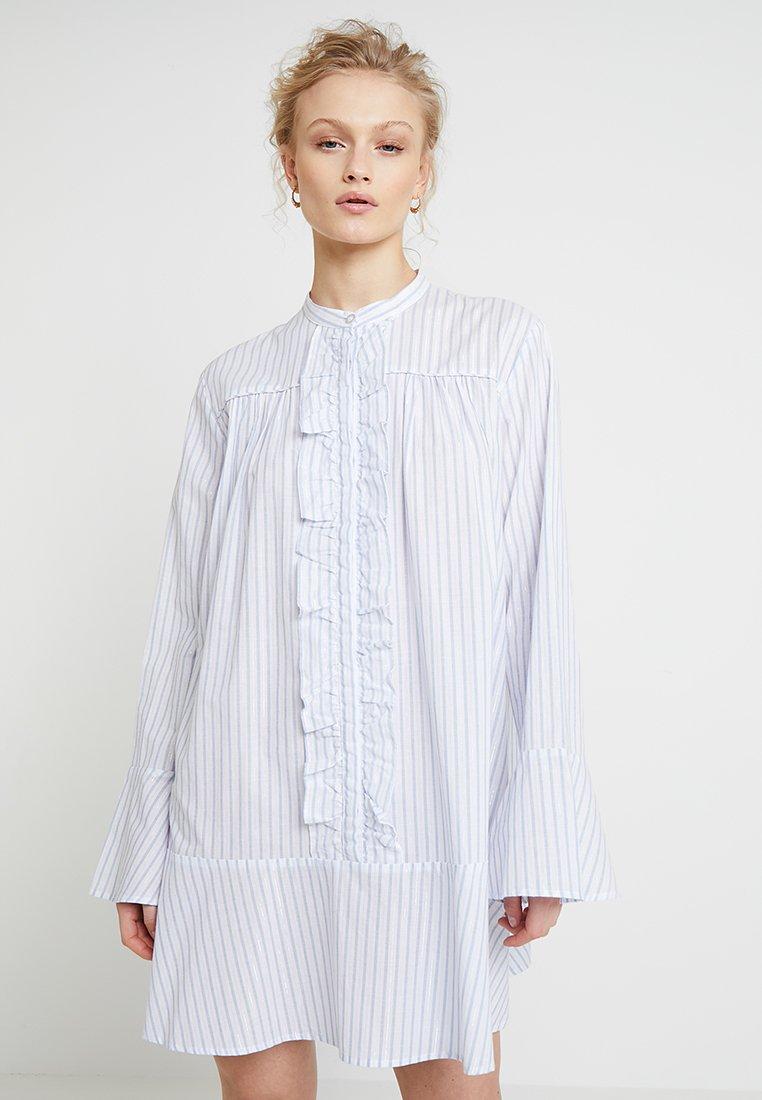 Custommade - GYTTA - Skjortklänning - white