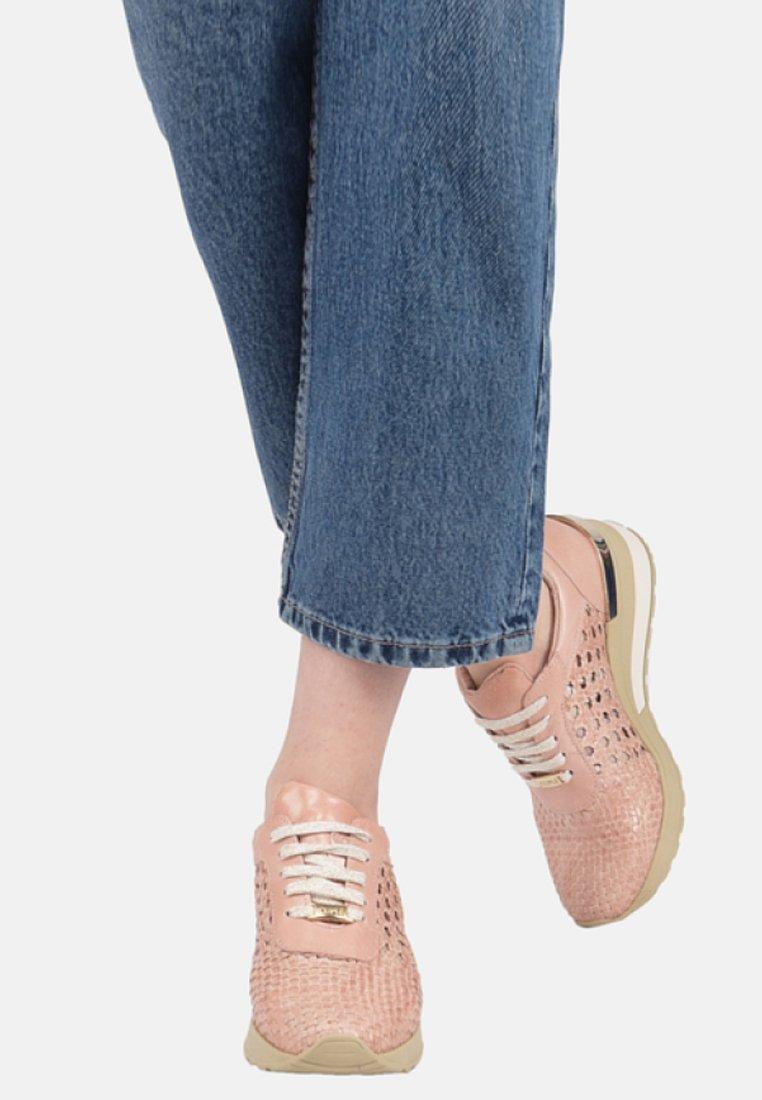 CUPLÉ - Sneakers laag - pink