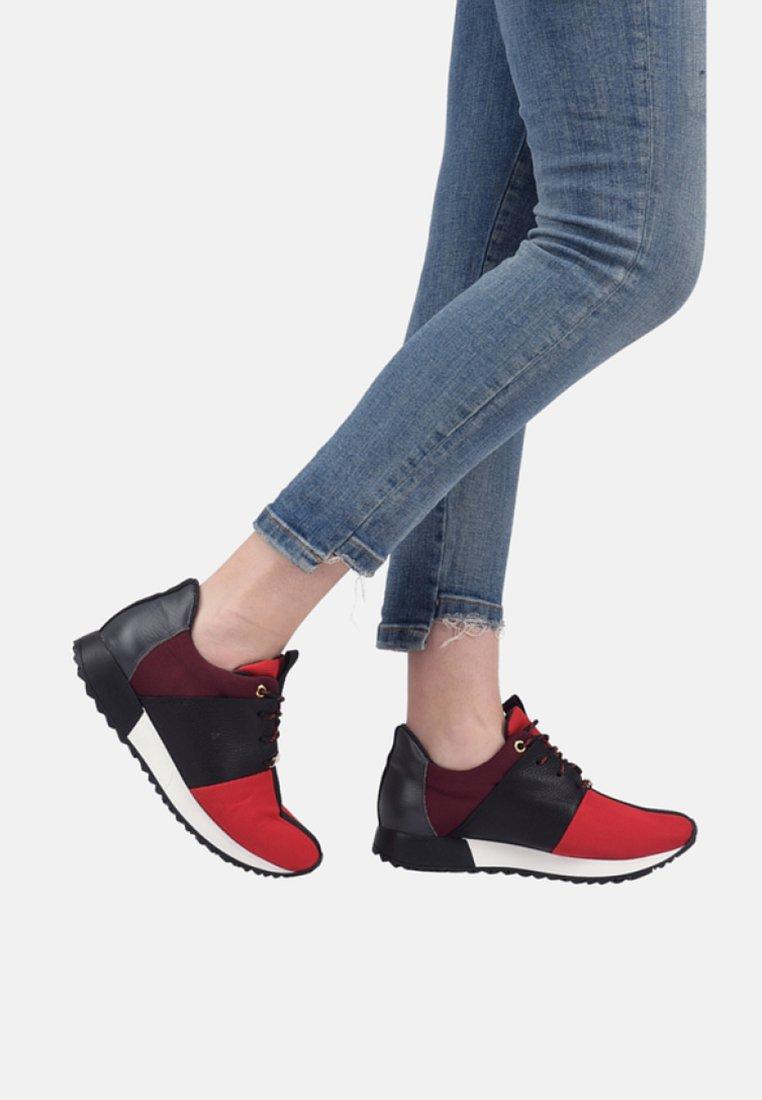 CUPLÉ - Sneaker low - red