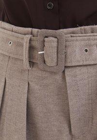 CUBIC - Pantalon classique - mocca - 4