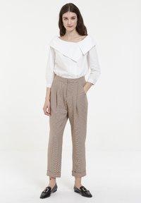 CUBIC - CUBIC - Pantalon classique - beige - 1