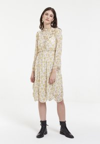 CUBIC - Robe d'été - yellow - 1