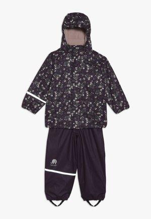 RAINWEAR SET - Waterproof jacket - blackberry wine