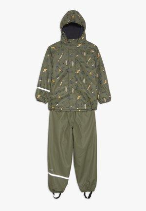 RAINWEAR SET - Rain trousers - army
