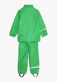 CeLaVi - BASIC RAINWEAR SUIT SOLID - Pantalon de pluie - green - 2