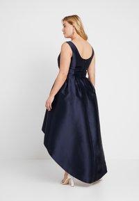 Chi Chi London Curvy - COSIA DRESS - Koktejlové šaty/ šaty na párty - navy - 4