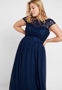 Chi Chi London Curvy - COSIA DRESS - Koktejlové šaty/ šaty na párty - navy - 3