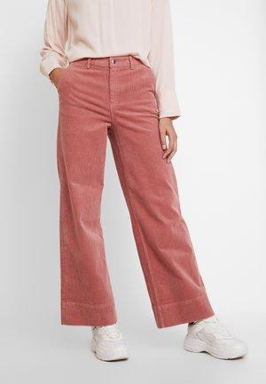 TROUSERS FREIDA - Spodnie materiałowe - light mahogany
