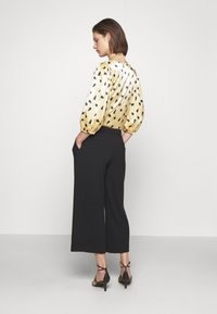 Carin Wester - TROUSERS - Trousers - black - 2