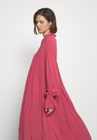 Carin Wester - DRESS FATOU - Day dress - hollyberry - 4