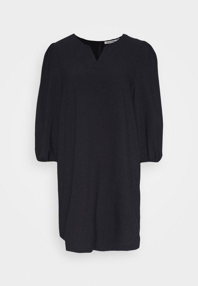 DRESS HILMA - Vestido informal - blackbeaut