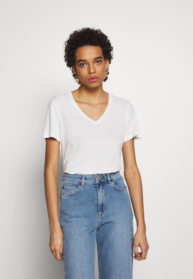 TOP PALDEN - T-shirt basic - white
