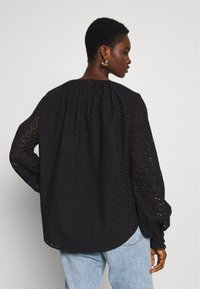 Carin Wester - TOP BARBRO - Bluse - black - 2