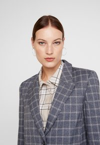 Carin Wester - TOULOU - Blazer - blue - 4