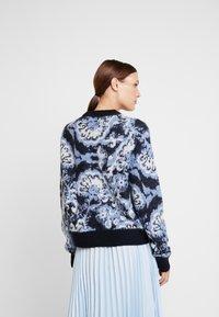 Carin Wester - JUMPER - Maglione - blue/black/white - 2