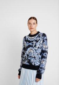 Carin Wester - JUMPER - Maglione - blue/black/white - 0