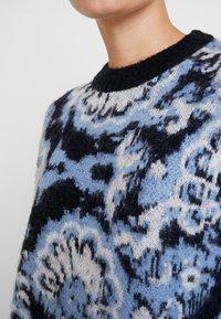 Carin Wester - JUMPER - Maglione - blue/black/white - 5