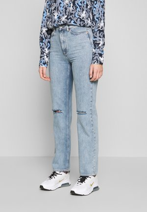 DEVIN TRASH - Jeansy Straight Leg - light denim blue