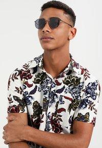 CHPO - LIAM - Sunglasses - silver-coloured - 1
