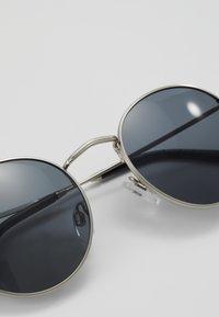 CHPO - LIAM - Zonnebril - silver-coloured/black - 2