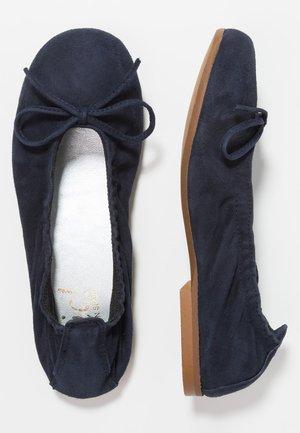 Klassischer  Ballerina - azul