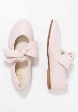Ballerina's met enkelbandjes - oslo pink