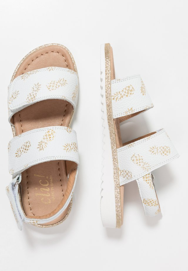 ERIS - Sandals - oro/blanco