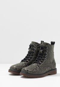 clic! - Šněrovací kotníkové boty - lajara montes - 3
